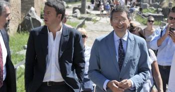 Foto LaPresse 04-09-2013 Roma Cronaca Ignazio Marino e Matteo Renzi visitano i Fori Imperiali